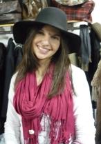 cappello nero a tesa larga donna
